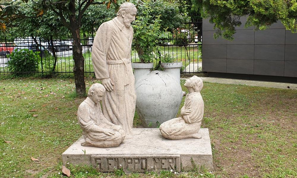 statua san filippo neri bovisasca